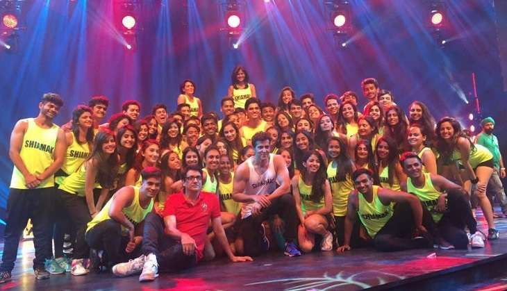 bollywood clebs charge in performing for few minutes