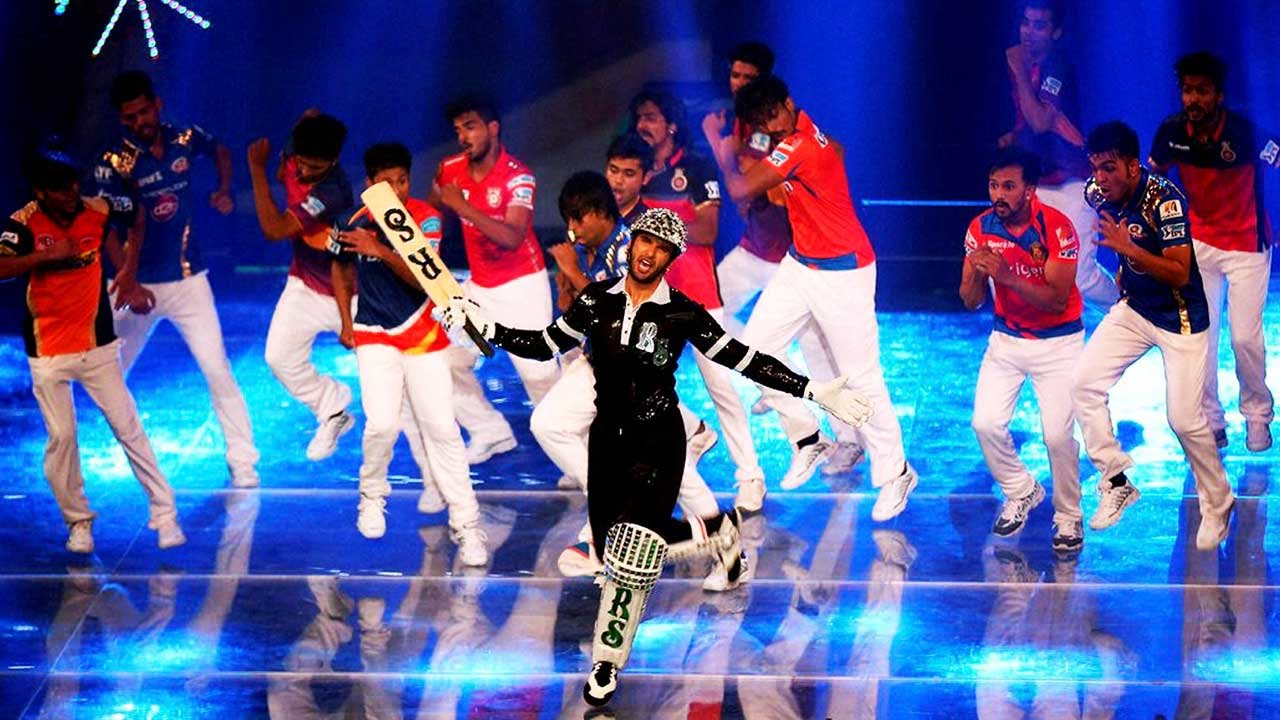 ranvir-singh-and-bollywood-clebs-charge-in-performing-for-few-minutes