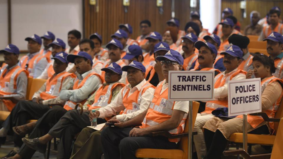 72 Year Old ganga ram Delhi Man Traffic Volunteer